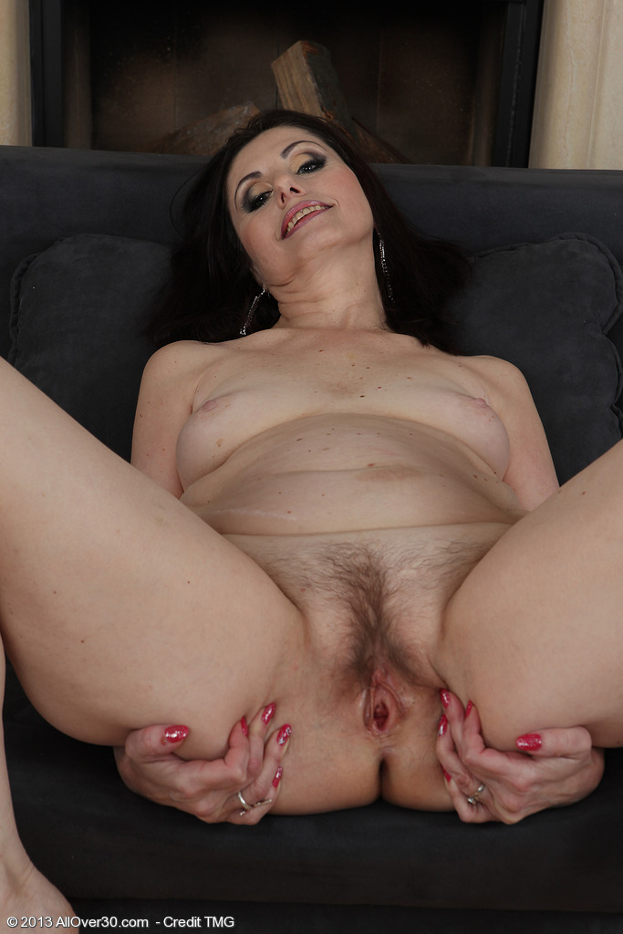 Free videos hairy pussy